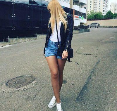 Девушка, приглашу в гости парня на жаркий секс в Иванове